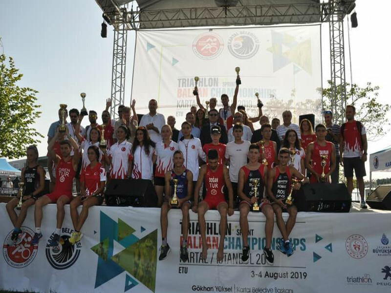 Triatlon Balkan Şampiyonası Heyecanı Kartal'da Yaşandı.