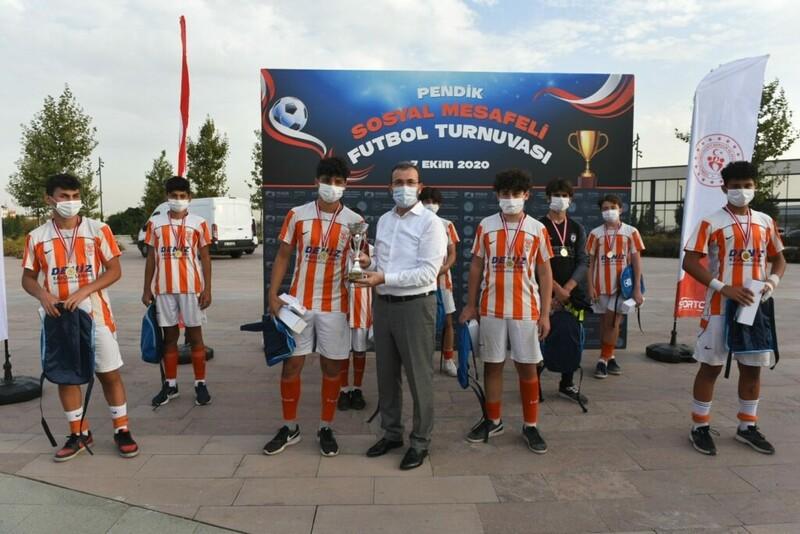 Sosyal Mesafeli Futbol'un şampiyonu Kurtköy Spor Kulübü oldu